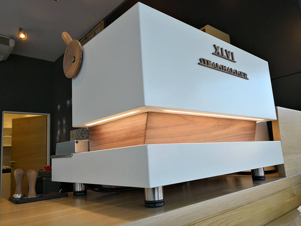 XLVI Steamhammer white and wood 009